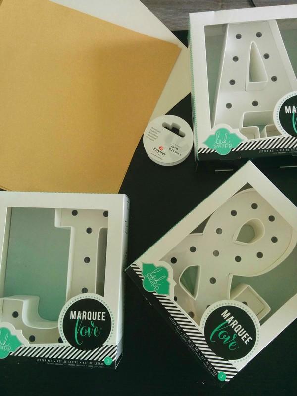 Ma commande Creavea : 3 lettres lumineuses, du fil nylon et des papiers scrapbooking