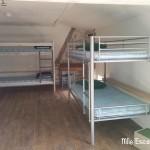 Le dortoir et ses lits superposés